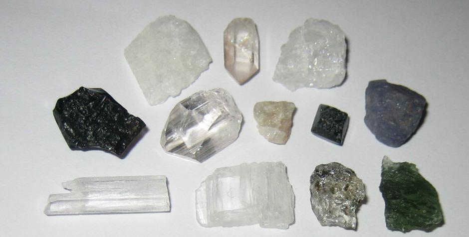 12 Cristale Sinergice