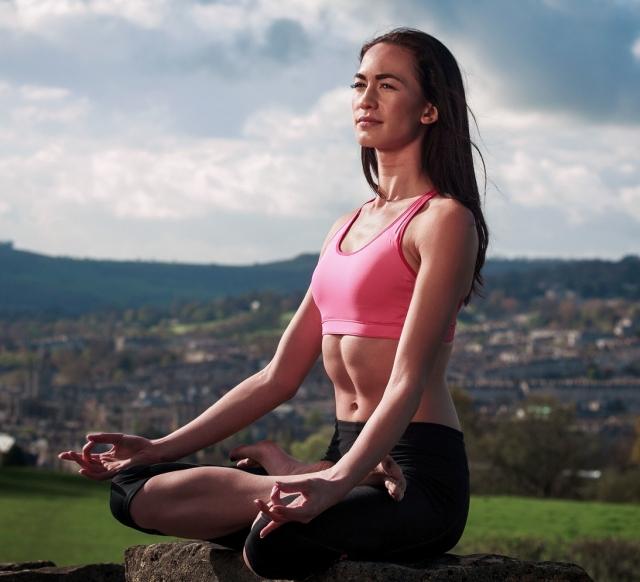 Postura Padmasana (Lotus)- Yoga