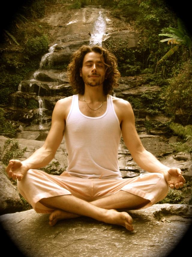 Postura Sukhasana (Ușoară) - Yoga